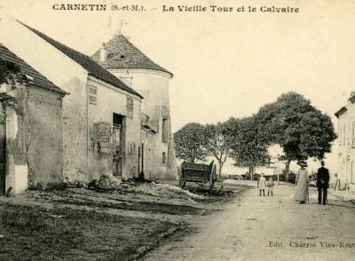 Rue de la Croix La Vieille Tour et le Calvaire